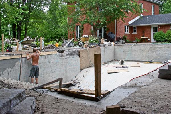 Construction de piscine en b ton laval et rive sud et for Club piscine plus cppq laval