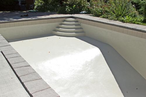 Photos avant et apr s de construction de piscine en b ton for Renovation piscine beton