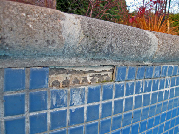 Service de ma onnerie de piscine en b ton laval qu bec for Reparation fissure piscine beton